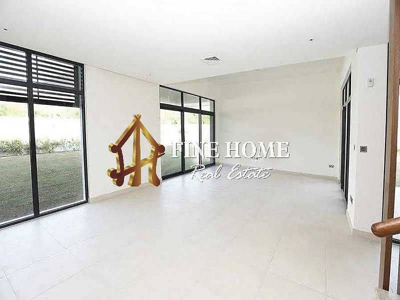 Huge 5BR VIP Villa in West Yas | Move as you buy