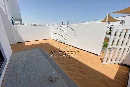 تاون هاوس 2 غرفة نوم للبيع في الغدیر، أبوظبي - Affordable Townhouse  with Amazing Offers