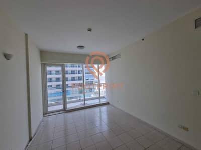 شقة 2 غرفة نوم للايجار في مدينة دبي الرياضية، دبي - Amazing Deal Large Size Golf View Two Bedroom Flat with Closed Kitchen