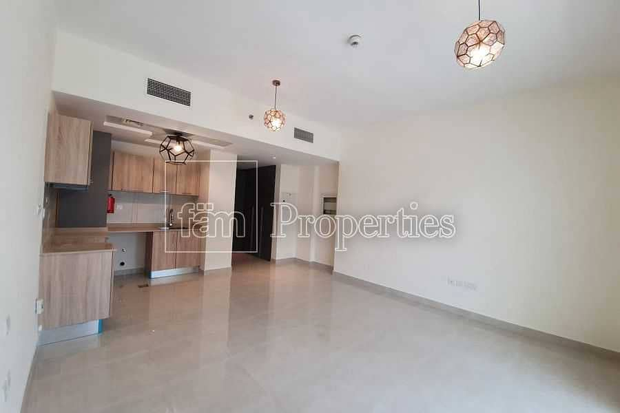 City & Pool View Cosy & Spacious Brand New