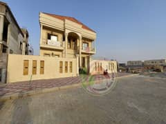 Freehold private villa in Aley, the main street, with convenient installments on the bank