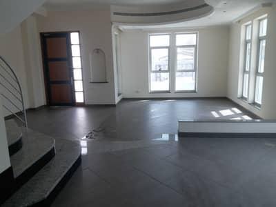 4 Bedroom Villa for Rent in Mirdif, Dubai - LIVING ROOM