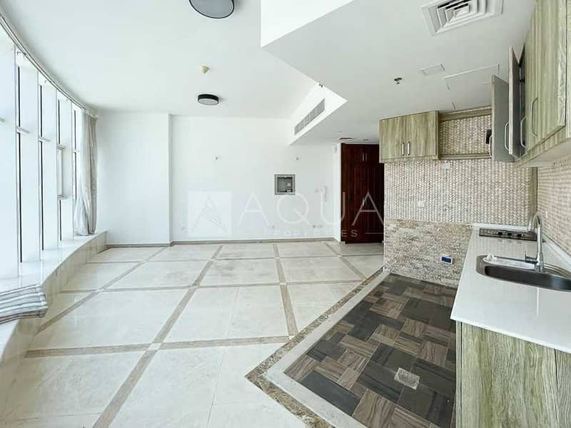 2 Immaculate Unit | Unfurnished | Low Floor