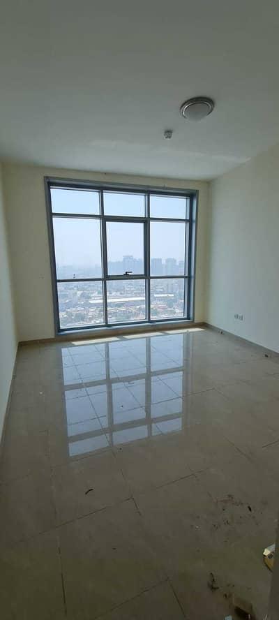 شقة 2 غرفة نوم للايجار في كورنيش عجمان، عجمان - غرفتين و صاله للايجار اول ساكن تكييف مجاني بارقي ابراج عجمان