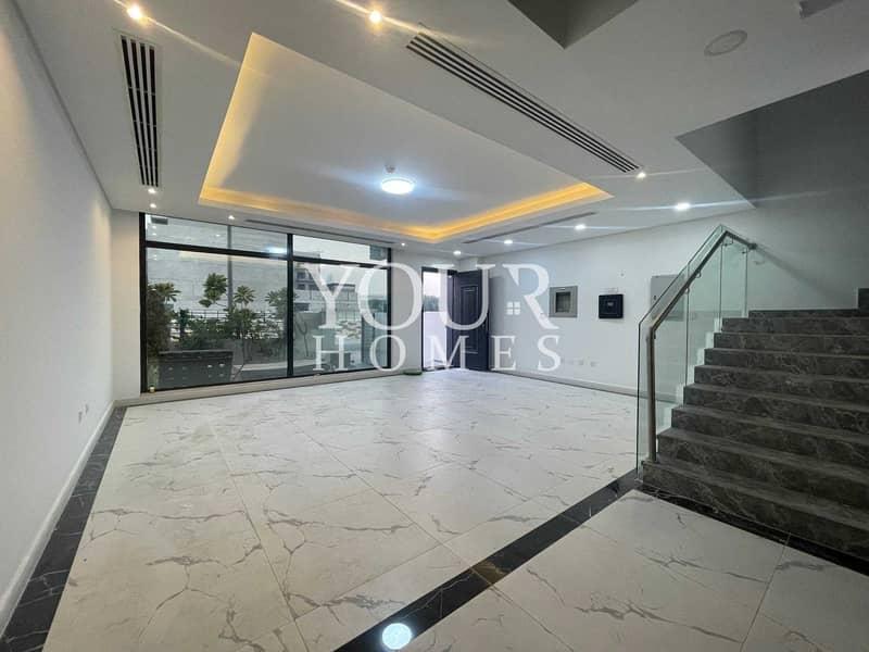 17 US   Unbeatable deal   Luxury 4 BHk with Elevator