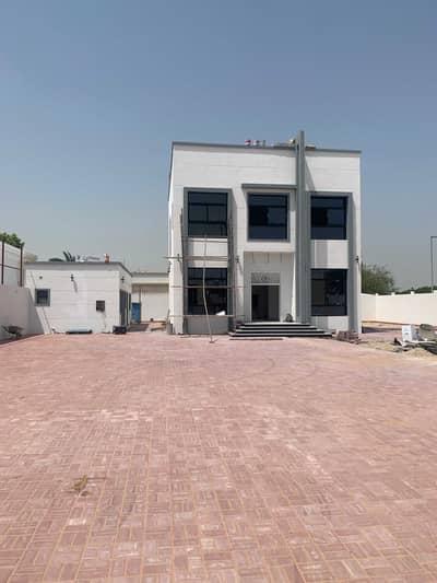 فیلا 4 غرف نوم للايجار في محيصنة، دبي - فيلا للإيجار جديده ( ٤ غرف + مجلس + صاله + ملحق خارجي + غرفه خادمه ) وحديقه