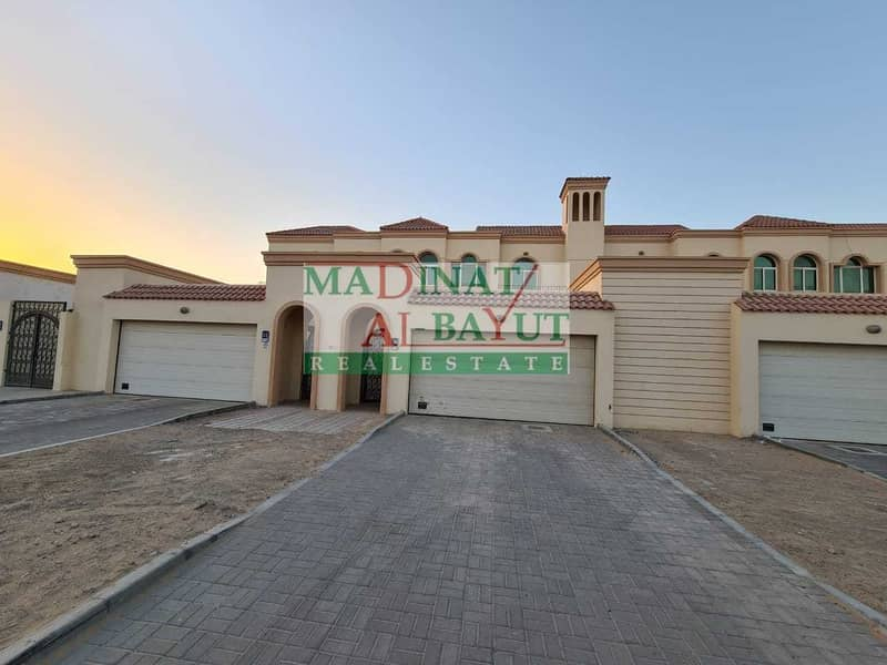 ALLURING INEPENDENT 4 BEDROOM VILLA WITH PRIVATE YARD IN MBZ