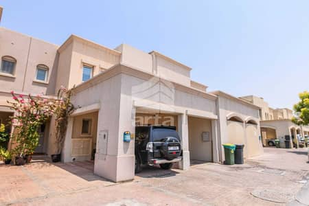 3 Bedroom Townhouse for Sale in The Lakes, Dubai - Fully Upgraded Townhouse with Maid + Study Room at The Lakes