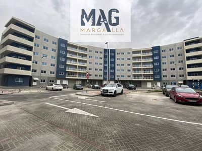3 Bedroom Flat for Rent in Al Reef, Abu Dhabi - FAMILY APARTMENT WITH BALCONY & MAID ROOM