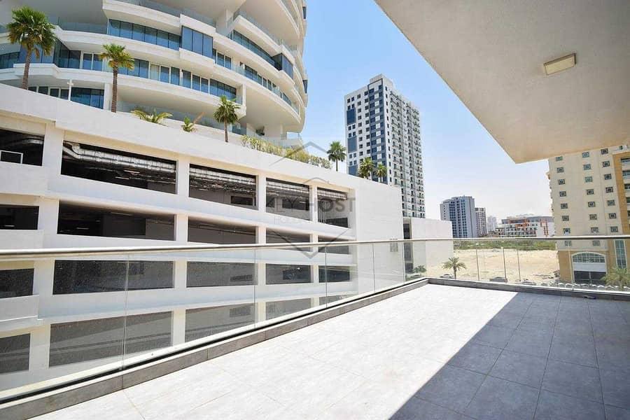 1BR Apartment | Big Balcony | 4chks