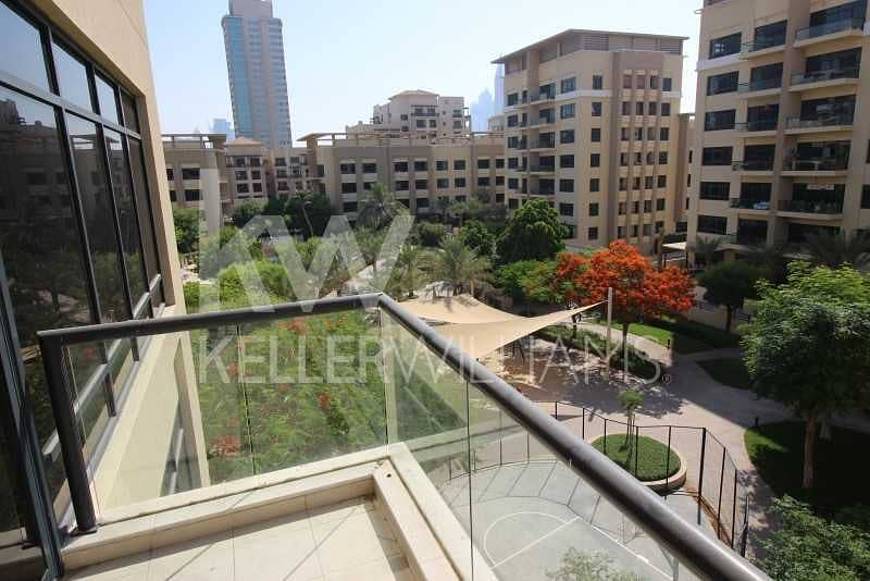 Upgraded. Well maintained 2 Bed+Study. Courtyard View