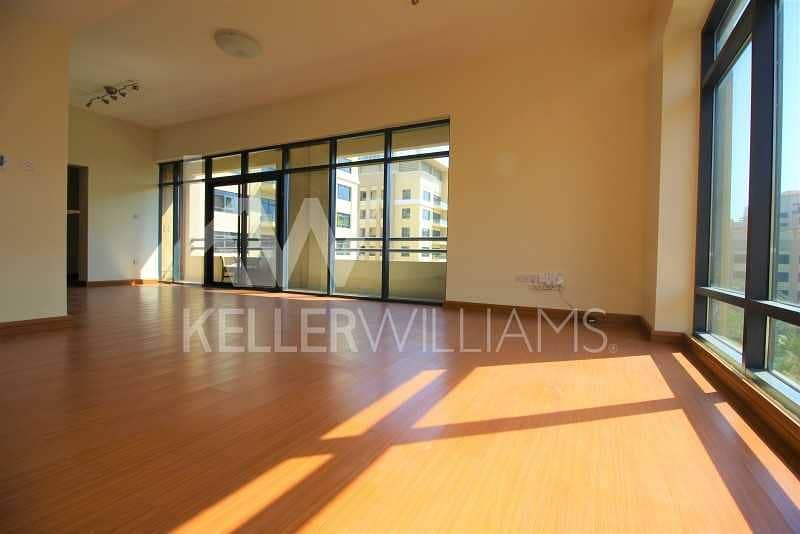 2 Upgraded. Well maintained 2 Bed+Study. Courtyard View