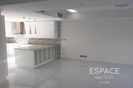 3 Bedroom Villa for Sale in The Springs, Dubai - Exclusive Fully Renovated in Prime Spot