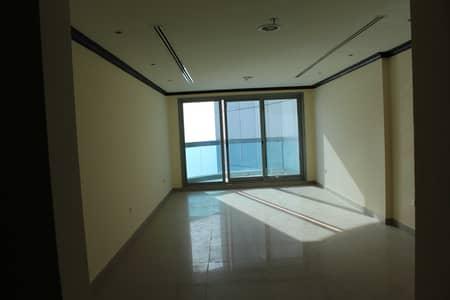 فلیٹ 2 غرفة نوم للبيع في كورنيش عجمان، عجمان - شقة في برج الكورنيش كورنيش عجمان 2 غرف 650000 درهم - 5295057