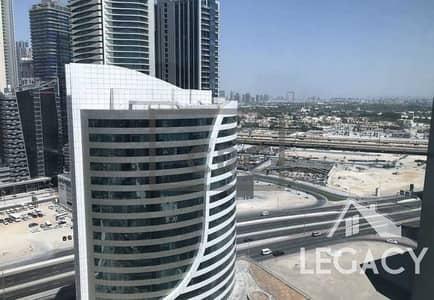 طابق تجاري  للبيع في الخليج التجاري، دبي - Fitted