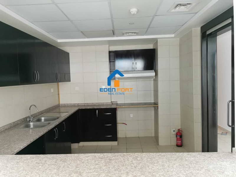 2 HUGE 1 BHK IN FAHAD TOWER 2 FOR RENT
