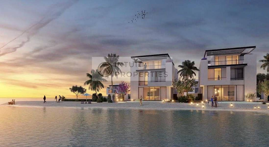 2 7 BR Villa - Maids Room -Sea View -Family community