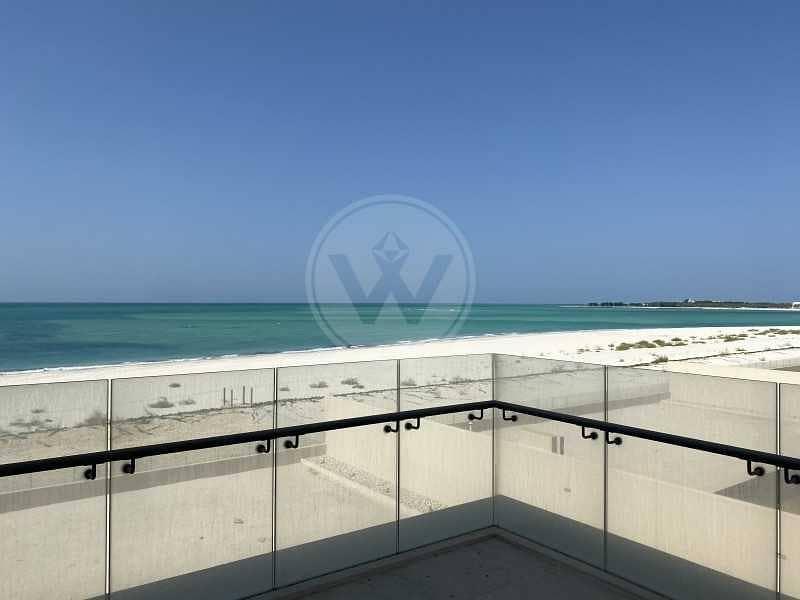 Amazing Beachfront Estate - Redesigned + Basement