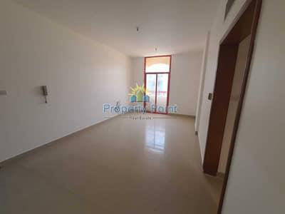 فلیٹ 2 غرفة نوم للايجار في الوحدة، أبوظبي - Affordable Deal | Spacious 2-bedroom Unit | Convenient Location | Delma Street