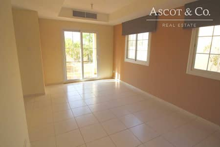 2 Bedroom Villa for Rent in The Springs, Dubai - Immaculate Villa 4E Villa in the Springs