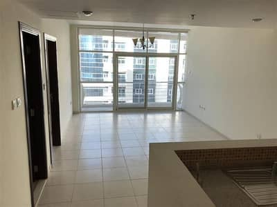 Pool View, Vacant - 1 BR Royal Residence