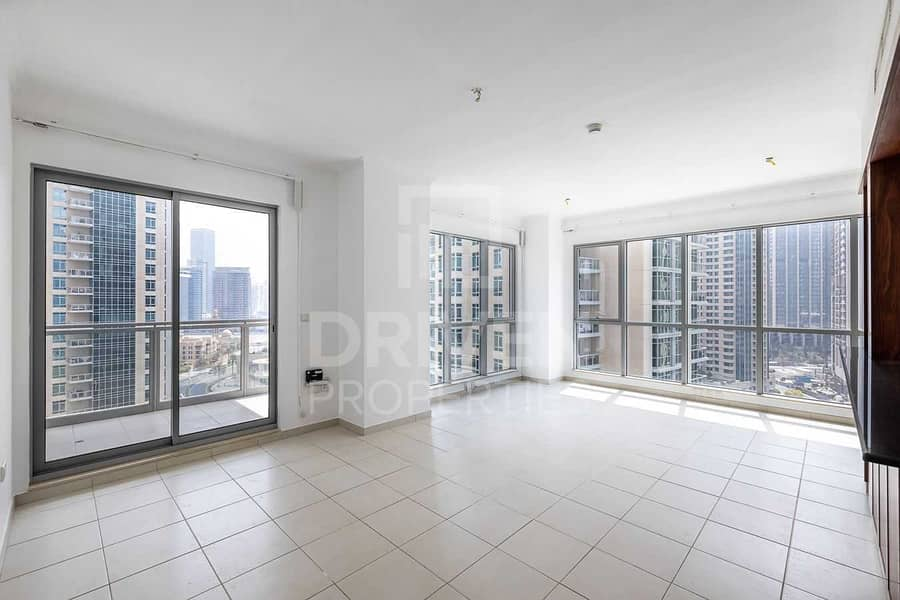 2 Fountain Views | Well-kept and Huge Unit