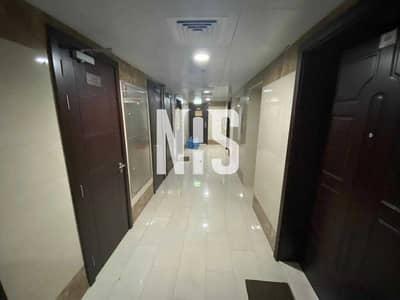مبنى سكني  للبيع في المشرف، أبوظبي - بناية حديثة في منطقة تنكر ماي | مع مواقف سيارات تحت الارض | جيدة للأستثمار .