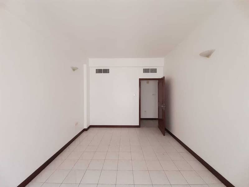 Spacious 2bhk for rent in Deira @36K