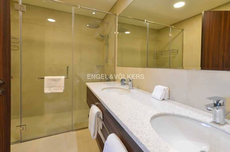 17 Stunning View Fully Furnished 5 Star Facilities