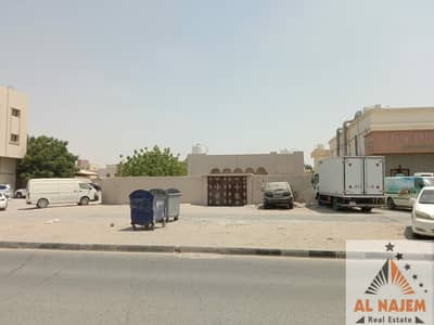 Villa for rent ground floor on the main street in Al Rawda 2 area in Ajman Electricity is a citizen and without air conditioners Families only