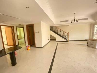 فیلا 5 غرف نوم للايجار في مردف، دبي - LIVING ROOM