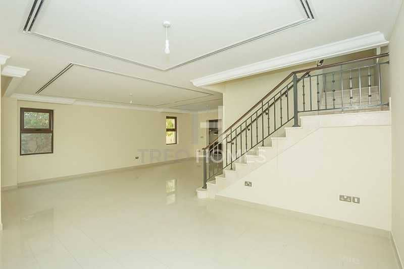 2 Spacious Layout   Upgraded   4Beds+Maid