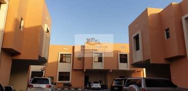فیلا في مجمع الوزارات المطار 4 غرف 130000 درهم - 4722873