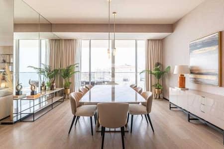4 Bedroom Flat for Sale in Palm Jumeirah, Dubai - Must-buy 4Br w/ The Atlantis - Burj Khalifa and beach view