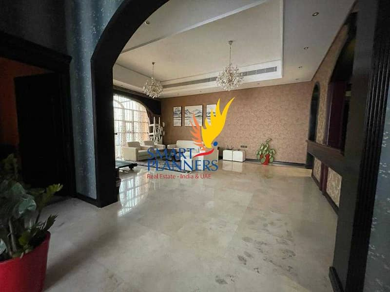 2 Fabulous Feels | Gorgeous House | Great Location