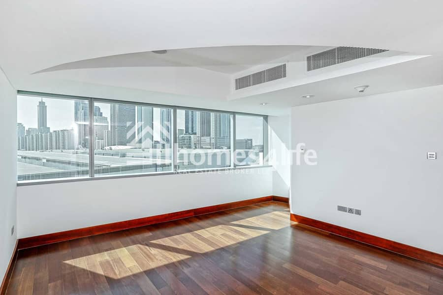 2 Spacious and Well Maintained 1 Bedroom Duplex