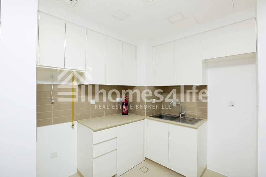 1BR Zahra Apartment   Mid Level   Great View