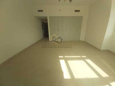 شقة 2 غرفة نوم للايجار في قرية جميرا الدائرية، دبي - Huge Well-Maintained 2BR   Best Price