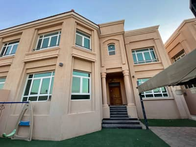 6 Bedroom Villa for Rent in Khalifa City A, Abu Dhabi - super deluxe pvt entrance 6 masters with yard
