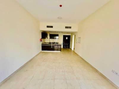شقة 1 غرفة نوم للايجار في رمرام، دبي - Vacant one bedroom with huge Terrace   Call Now