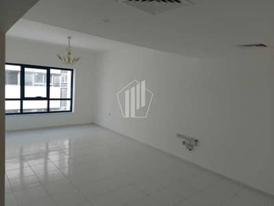 3 Bedroom Apartment for Rent in Bur Dubai, Dubai - Special Offer   Huge 3 Bedroom in Prime location   Family Building