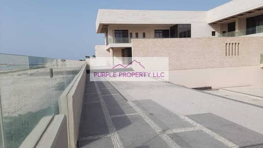 6 Bedroom Villa for Sale in Saadiyat Island, Abu Dhabi - Hot Deal! Direct Beach Access to the Beach! Beautiful Villa, Spacious  Bedrooms! Call now