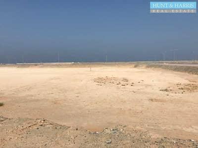 ارض سكنية  للبيع في جزيرة المرجان، رأس الخيمة - Joint Venture - G+6 Residential Land - Visibility Study Ready