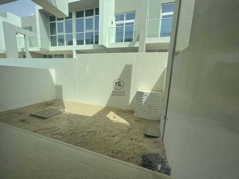3 bed Middle unit | vardon | Lake View  | DH2