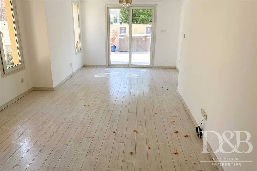 2 3 Bed Plus Study | Upgraded | Vacant