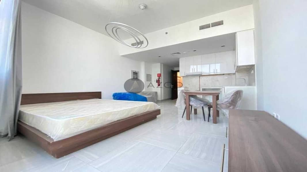 Fully Furnished   Safe Ambiance   Bright Interiors