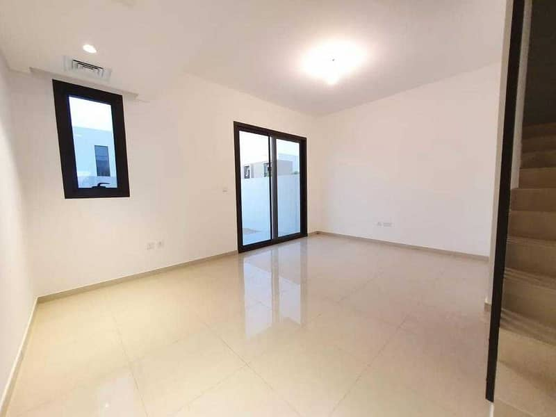 2Br Corner Villa With Maids room Rent 60k Available in Nasma Residence