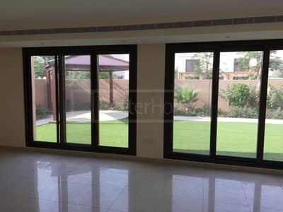 Luxury 5 bedrooms villa in Al Zahia