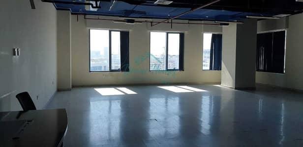 مکتب  للايجار في واحة دبي للسيليكون، دبي - Large Fitted Office/Wooden Floor/Pantry Inside