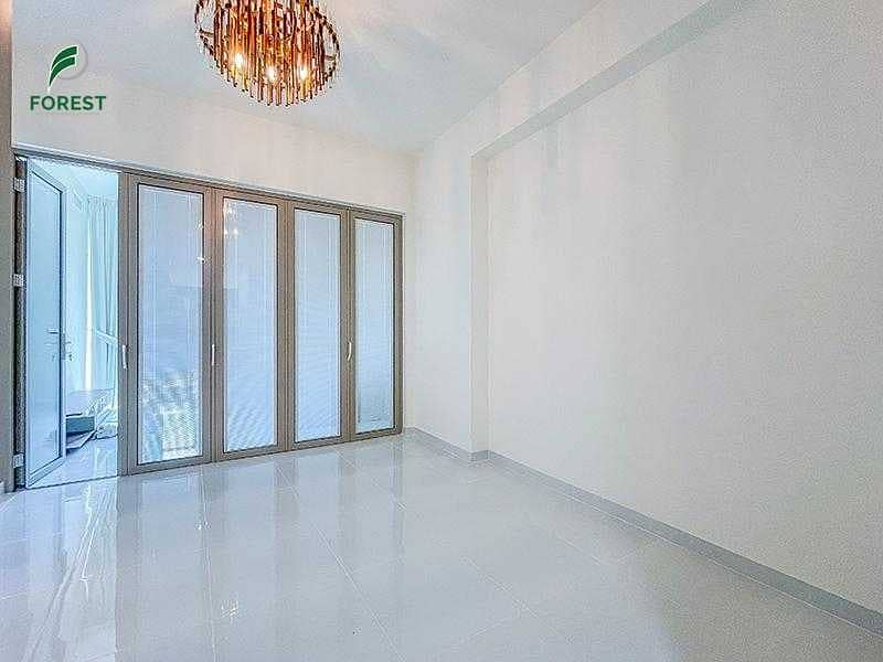 Stunning Unit   1 Bed   Fully Furnished   Vacant